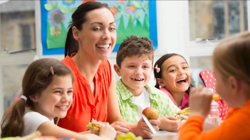 lunione-europea-sostiene-il-consumo-di-frutta-e-verdura-nelle-scuole